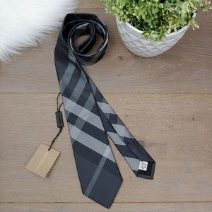 NWT Burberry Manston Silk Tie Black And Gray